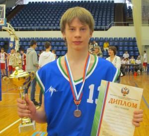Андрей Лялин с кубком1