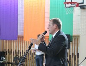 Участников приветствует зам. главы администрации города Вершинин А. А.