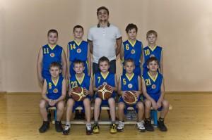 Команда юношей 2002 года рождения, тренер-преподаватель Кузнецов И.Б